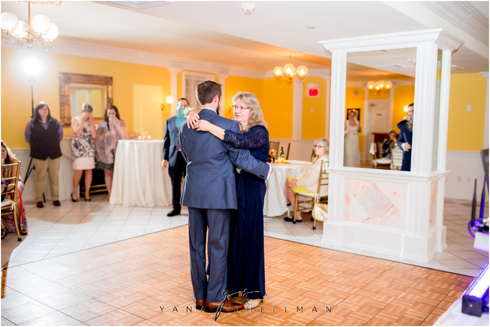 Southern Mansion Wedding Photos by Cinnaminson Wedding Photographers - Kayla+Dean Wedding