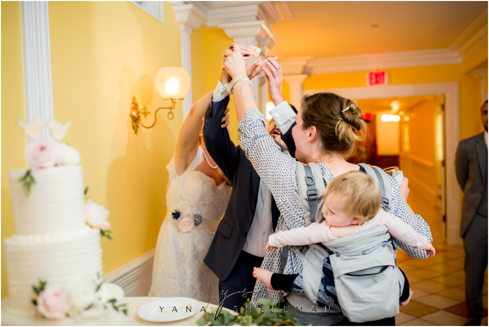 Southern Mansion Wedding Photos by the best Riverside Wedding Photographer - Kayla+Dean Wedding