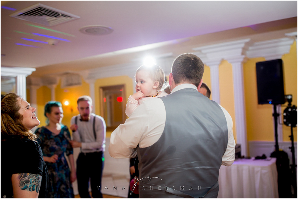 Southern Mansion Wedding Photos by the best Cherry Hill Wedding Photographer - Kayla+Dean Wedding