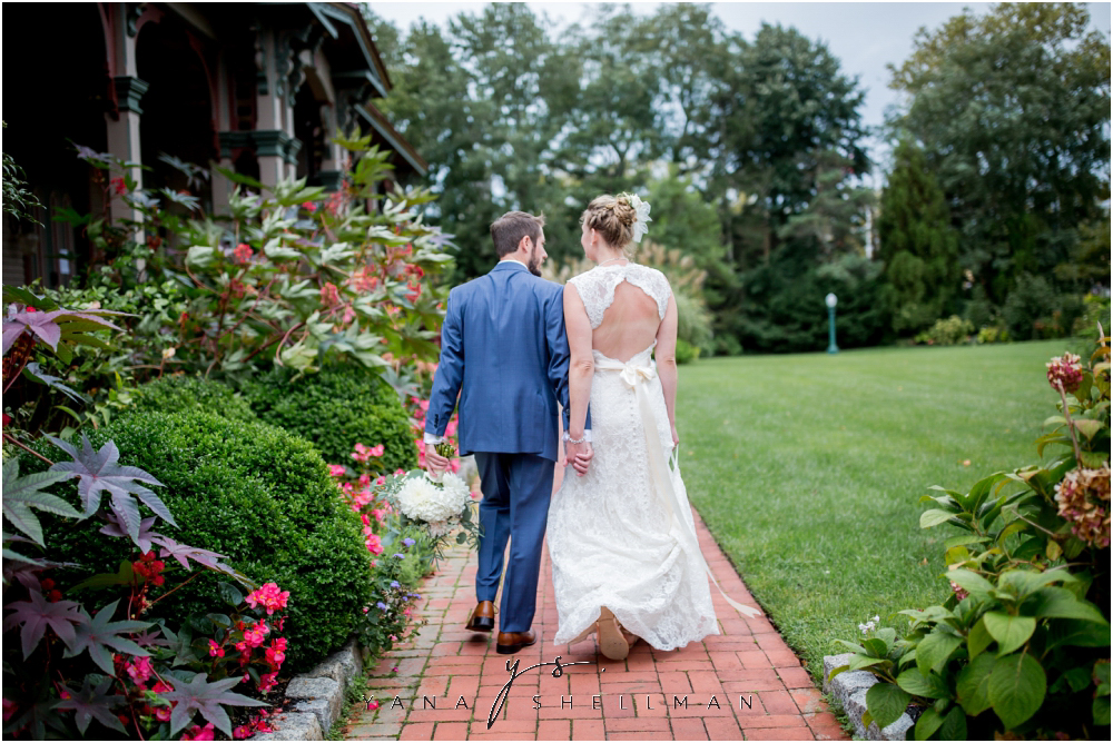Southern Mansion Wedding Photos by Medford Wedding Photographer - Kayla+Dean Wedding