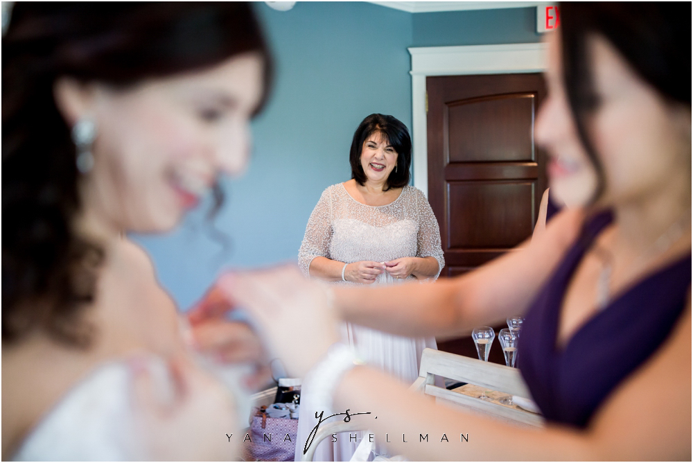 Bradford Estate Wedding Pictures by the best Delran Wedding Photographers - Laura+Jeff Wedding