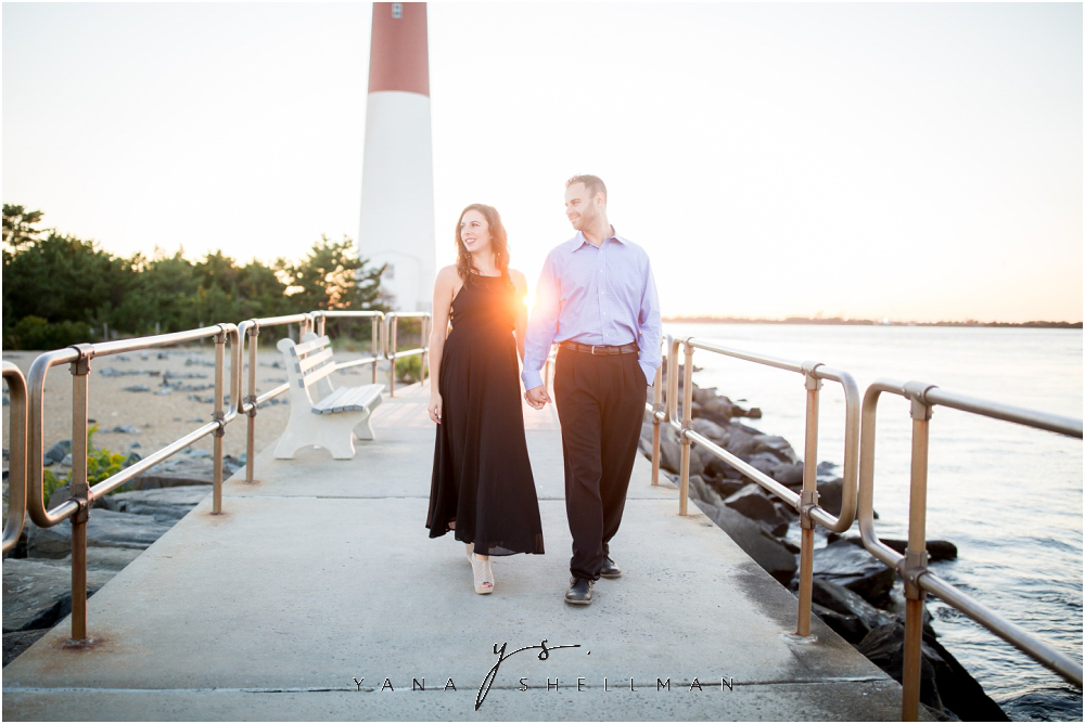 Barnegat Lighthouse Wedding Pictures By The Best Lbi Photographer Brittany Ben Engagement