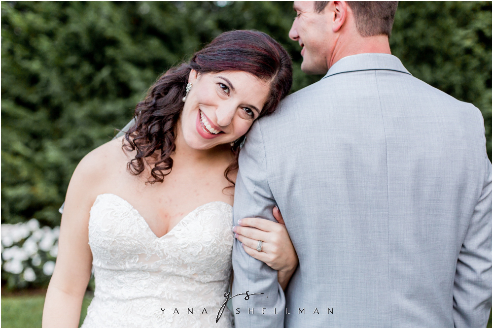 Bradford Estate Wedding Pictures by the best South Jersey Wedding Photographers - Laura+Jeff Wedding