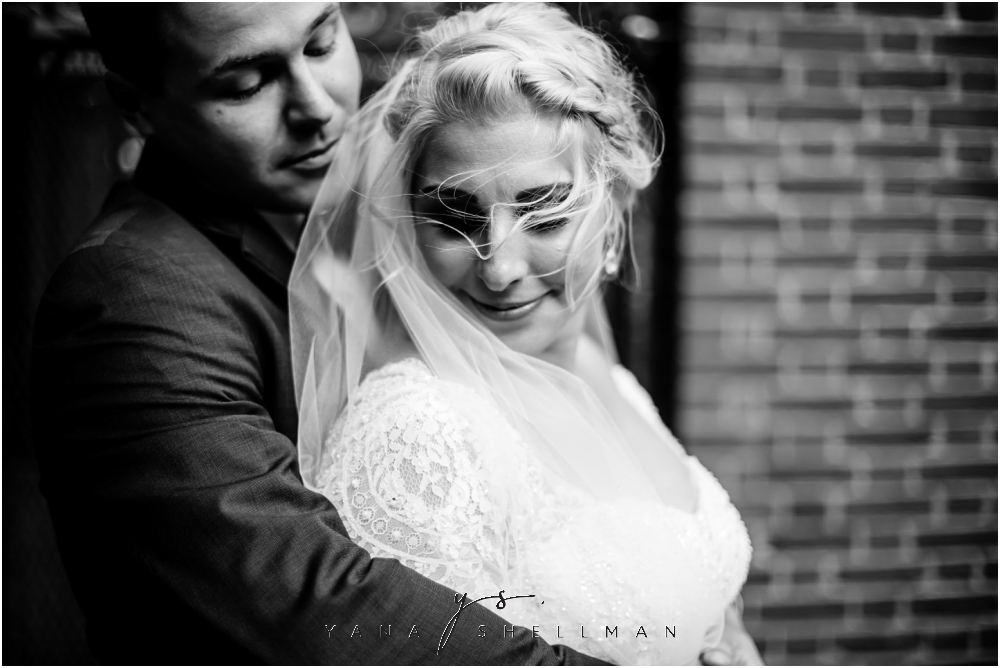Magnolia Park Philadelphia Intimate Wedding by the best Philly Wedding Photographers - Jessica+George Wedding