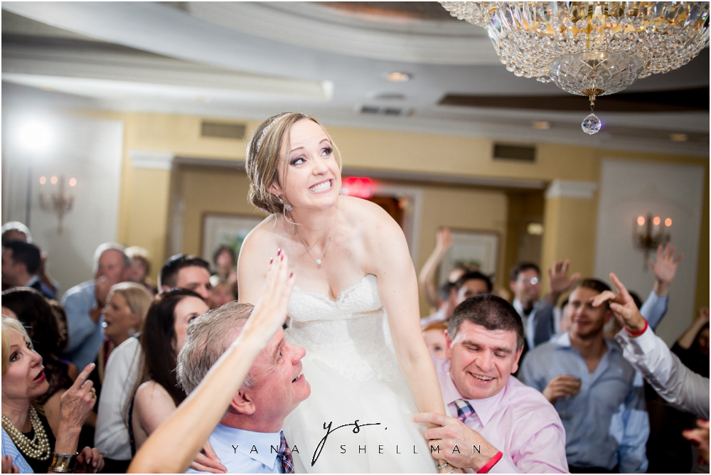 Overbrook Golf Club Wedding Pictures by Cinnaminson Wedding Photographer - Michelle+Matt Wedding