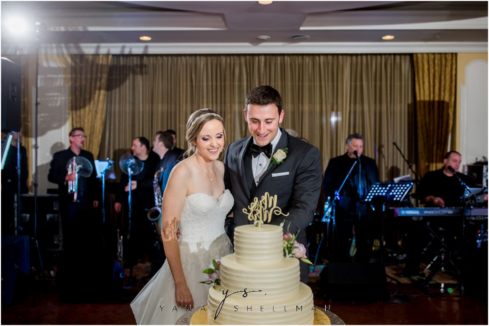 Overbrook Golf Club Wedding Pictures by the best Marlton Wedding Photographers - Michelle+Matt Wedding