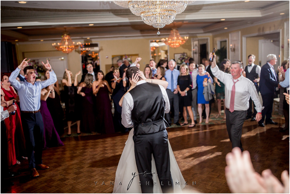 Overbrook Golf Club Wedding Pictures by the best NJ Wedding Photographers - Michelle+Matt Wedding