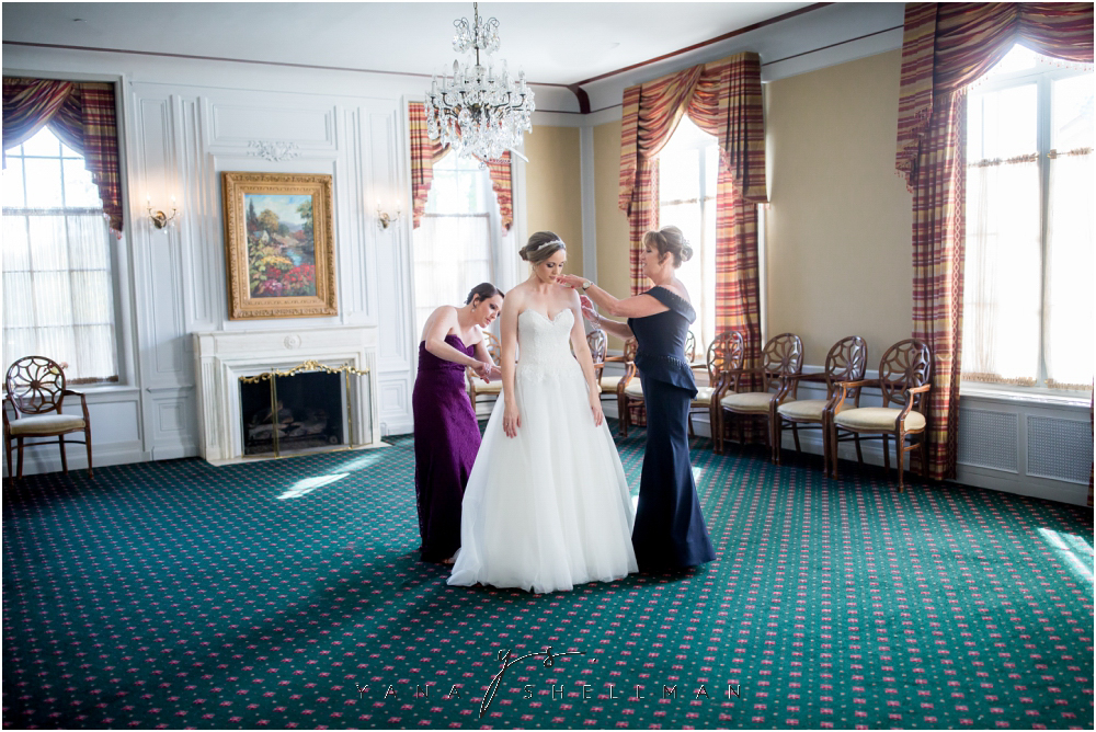 Overbrook Golf Club Wedding Pictures by Cape May Wedding Photographer - Michelle+Matt Wedding