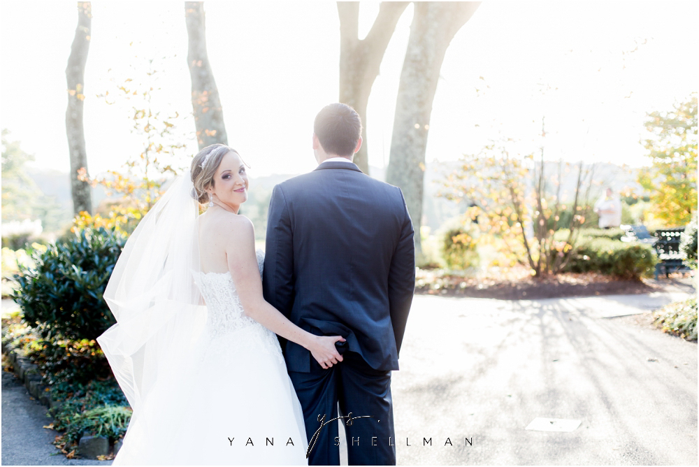 Overbrook Golf Club Wedding Pictures by the best Villanova Wedding Photographer - Michelle+Matt Wedding