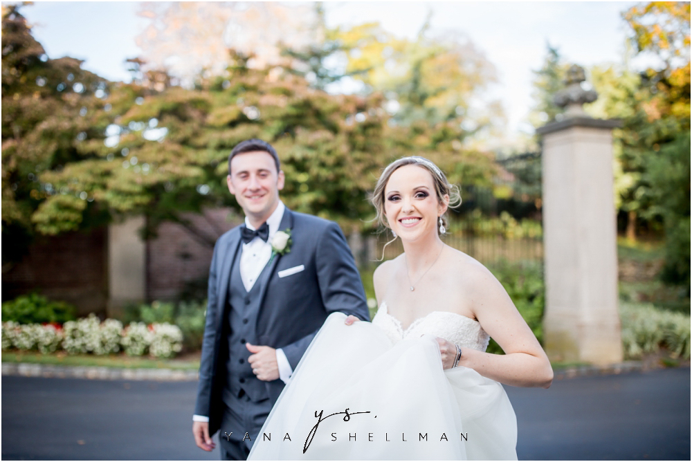 Overbrook Golf Club Wedding Pictures by Mt Laurel Wedding Photographers - Michelle+Matt Wedding