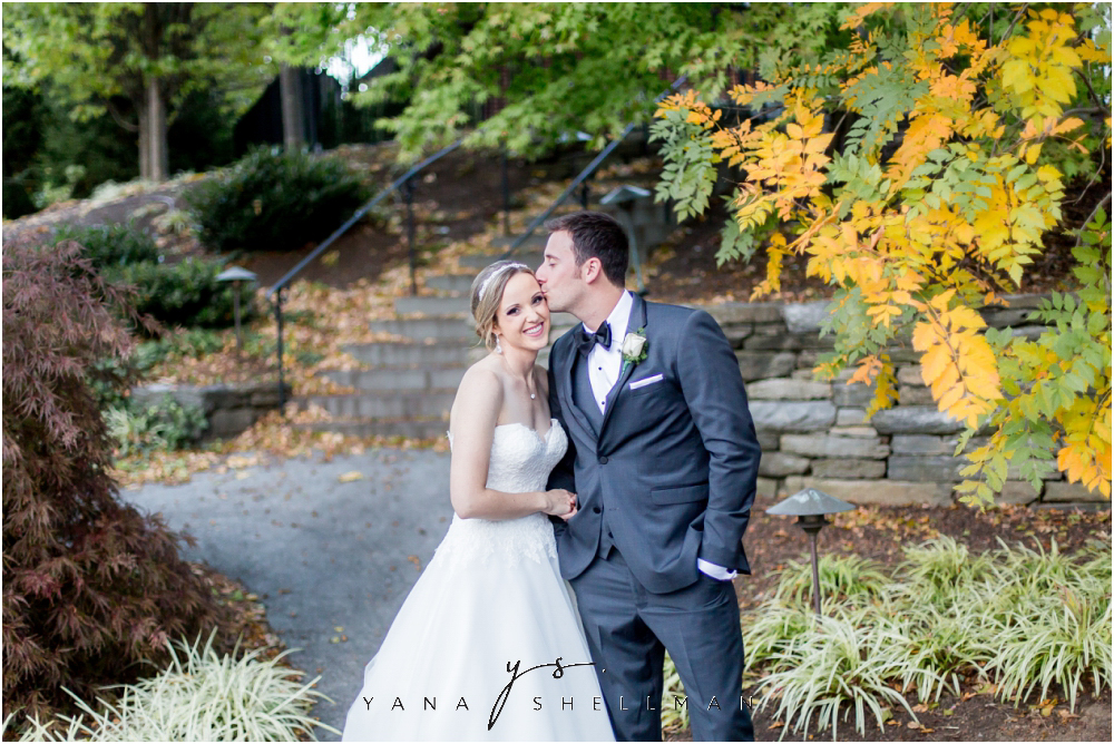 Overbrook Golf Club Wedding Pictures by Princeton Wedding Photographers - Michelle+Matt Wedding