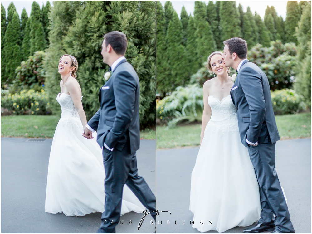 Overbrook Golf Club Wedding Pictures by the best Princeton Wedding Photographer - Michelle+Matt Wedding