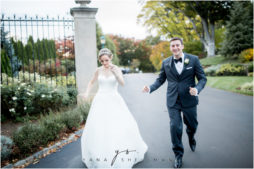 Overbrook Golf Club Wedding Pictures by the best Princeton Wedding Photographers - Michelle+Matt Wedding