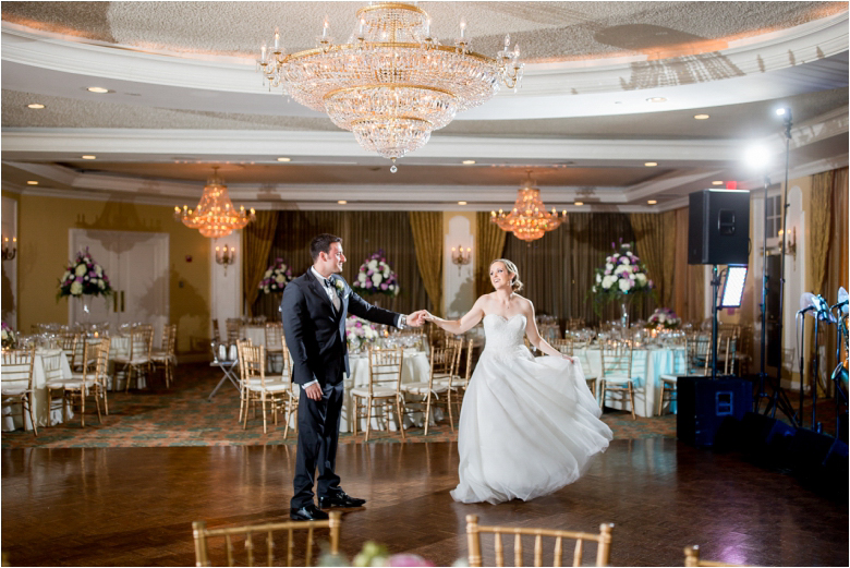 Huntingdon Valley Country Club Wedding Photos by the best Philly Wedding Photographer
